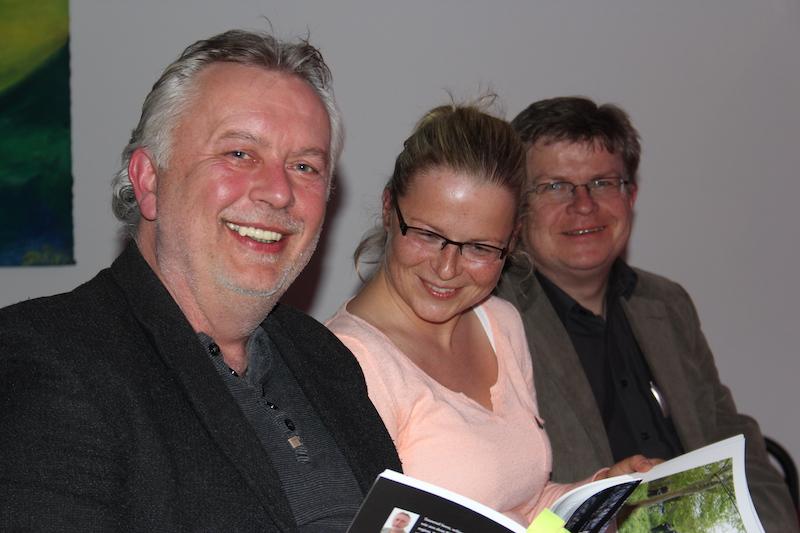 Nordkurier-Reporter Thomas Beigang, Paulina Jasmer und Andreas Segeth (v.l.n.r.) bei einer Lesung der Kriminalakte.