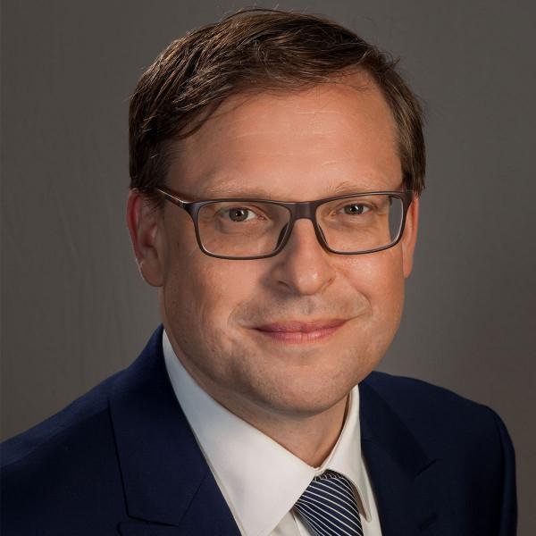 Lutz-Schumacher-min